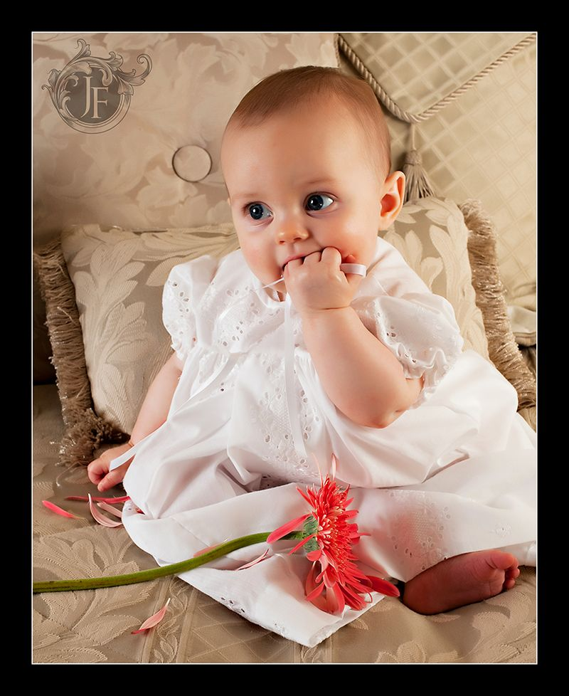 Isn't Selah just the most beautiful little girl? I think so, those eyes are so gorgeous.