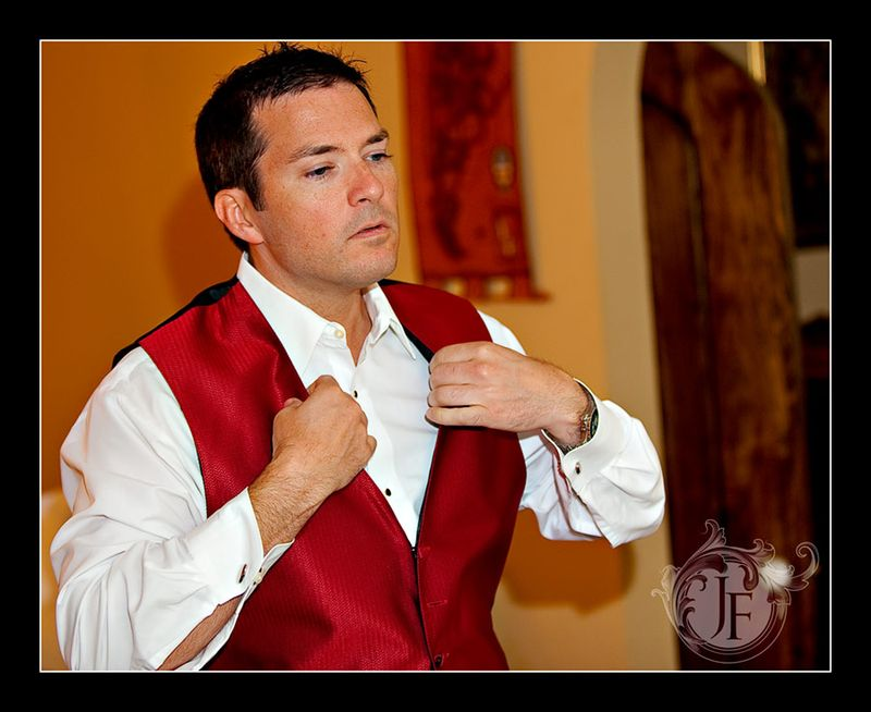 Joel's brother Chip was one of the groomsman. (Steve Glass - Nikon D700)