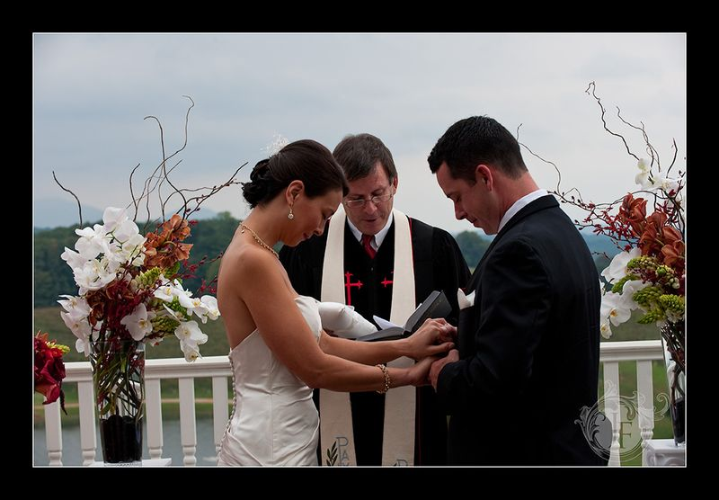 A touching moment during the ceremony. (Steve Glass - Nikon D700)